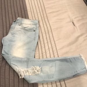 ⭐️4 for 10.00⭐️ VIP Ripped Jeans